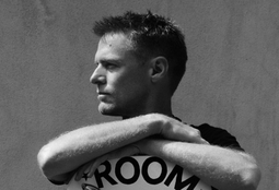 Picture of Bryan Adams